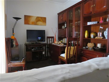 Apartment T2 / Lisboa, Olivais Norte