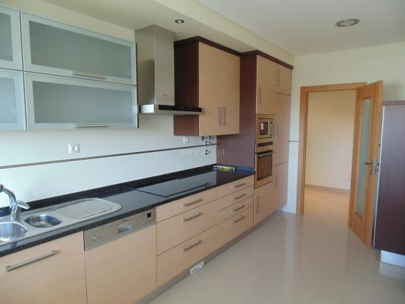 Apartment T3 / Seixal, Casal do Marco
