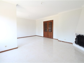 Apartment T3 / Vila Nova de Gaia, Oliveira do Douro