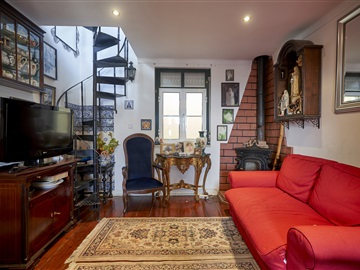 Apartment T4 / Lisboa, Lapa - Madragoa