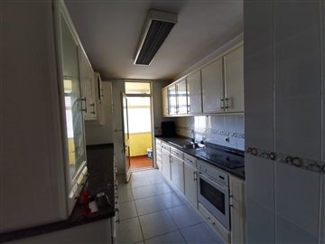 Apartment T4 / Penafiel, 1- Centro