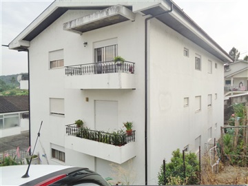 Appartement T2 / Marco de Canaveses, Constance