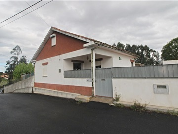 Detached house T2 / Viana do Castelo, Alvarães