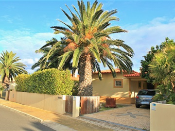 Detached house T3 / Porto Santo, Porto Santo