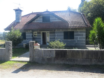 Detached house T3 / Santo Tirso, Monte Córdova