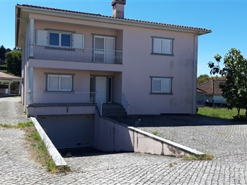 Detached house T4 / Castro Daire, Castro Daire