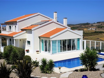 Detached house T4 / Lourinhã, Miragaia
