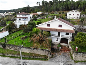 Detached house T4 / Viseu, Orgens