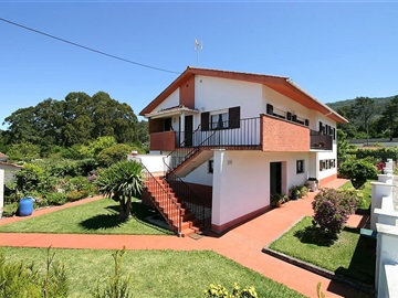 Detached house T5 / Viana do Castelo, Afife