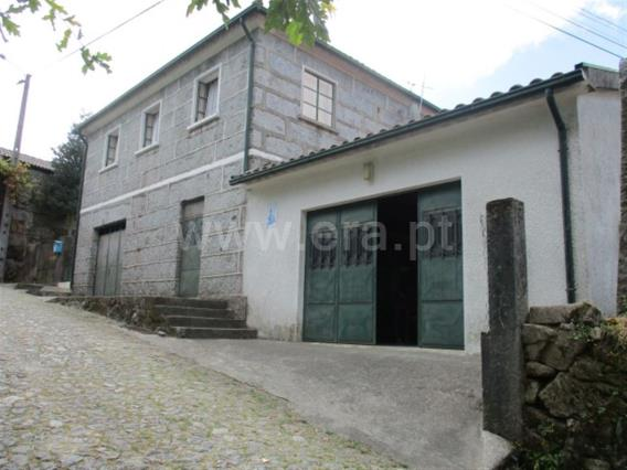 House T3 / Fafe, Estorãos