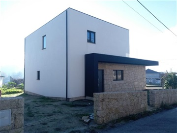 House T3 / Fafe, Fornelos