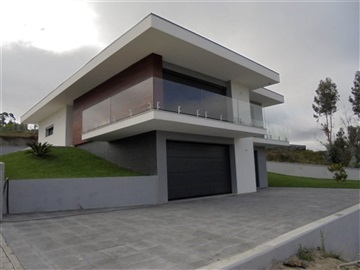House T3 / Fafe, Quinchães