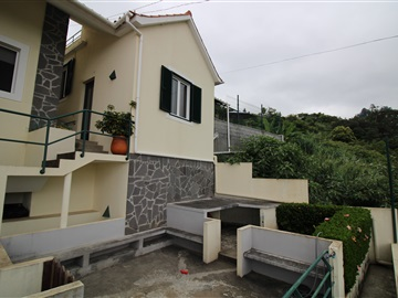 House T3 / Funchal, Santo António