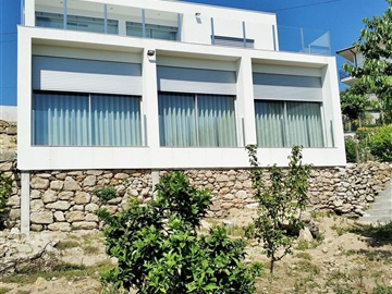 House T3 / Marco de Canaveses, Soalhães