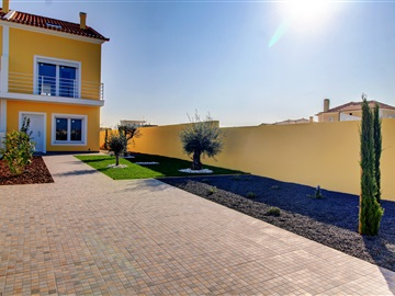 Semi-detached house T2 / Peniche, Ferrel