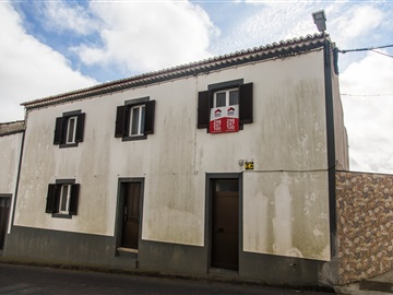 Semi-detached house T3 / Ponta Delgada, Arrifes