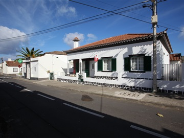 Semi-detached house T3 / Ponta Delgada, Mosteiros