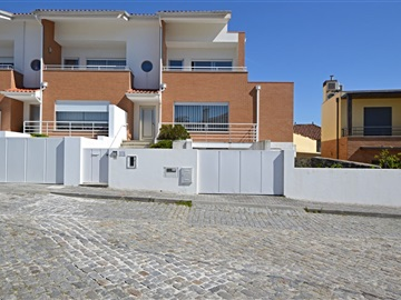 Semi-detached house T3 / Viana do Castelo, Meadela