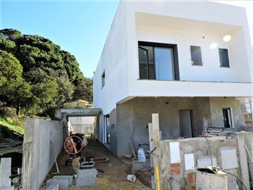Semi-detached house T4 / Almada, Sobreda