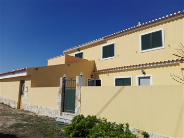 Semi-detached house T4 / Mafra, Terroal