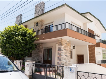 Semi-detached house T4 / Oeiras, Barcarena Centro