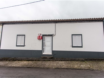 Semi-detached house T4 / Ribeira Grande, Pico da Pedra