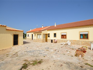 Semi-detached house T6 / Vila do Bispo, Sagres