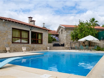 Small Farm T4 / Amares, Fiscal